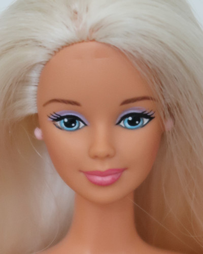 Barbie Mackie