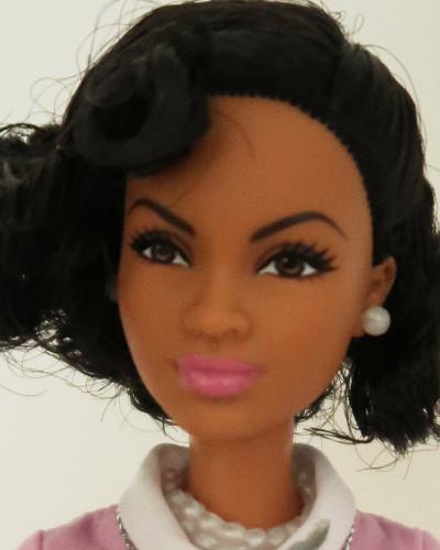Barbie Mbili